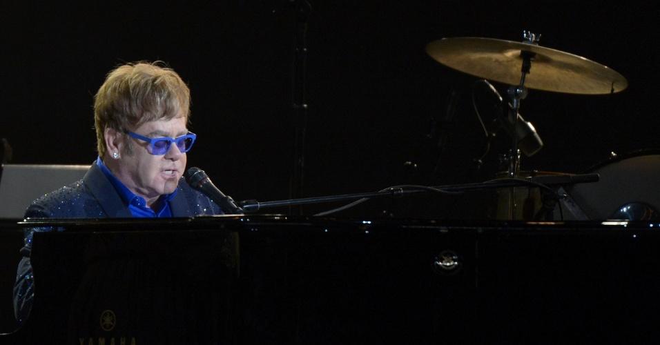 10.fev.2013 - Elton John se apresenta na 55ª edição do Grammy Awards