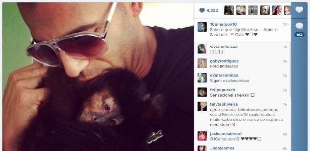 Emerson Sheik justificou a ausência no treino com o dever de cuidar da macaca Cuta