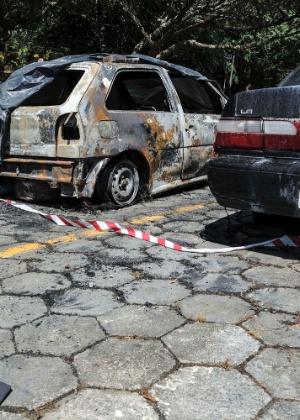 Na segunda-feira, um carro foi incendiado no centro administrativo de Florianópolis