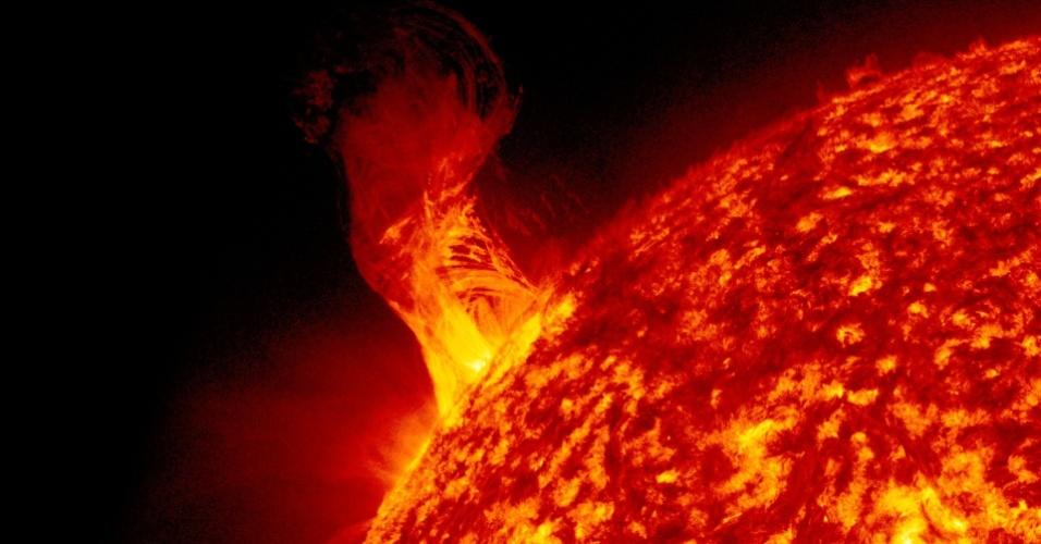 Erupção solar vista em 31 de dezembro de 2012 pelo SDO