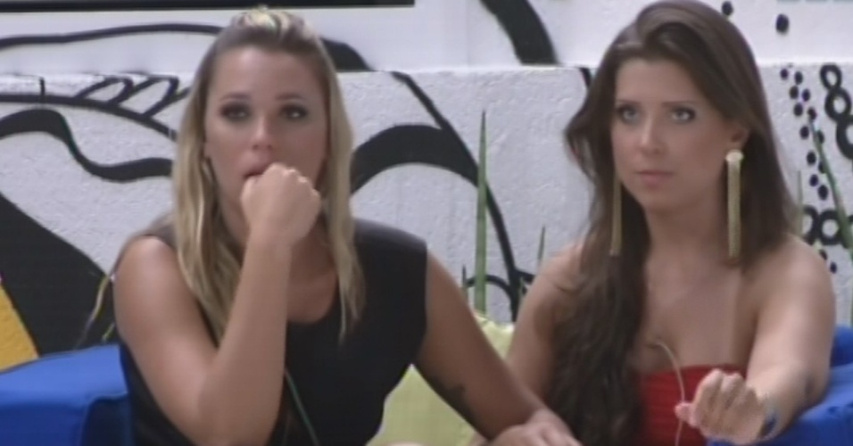 12.fev.2013 - Andressa diz a Marien que acredita que ela ficar na casa