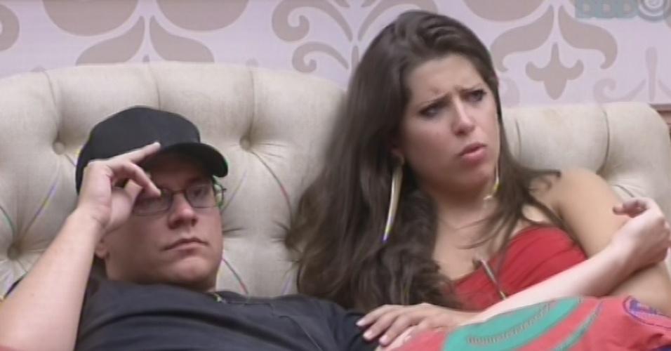 12.fev.2013 - Ivan e Andressa se dizem supresos após saída de Marien