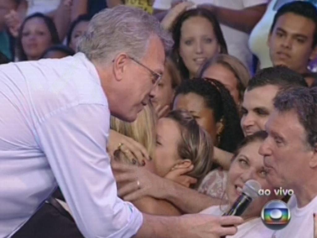 12.fev.2013 - Pai de Marien diz a Pedro Bial que achou que a dançarina foi forte dentro da casa