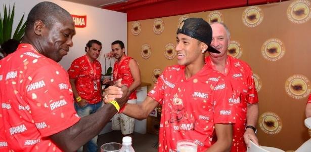 Seedorf pediu menos pressão sobre o 'craque' Neymar na seleção brasileira