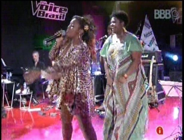 "13.fev.2013 - Ellen Oléria e Ludmillah Anjos, cantoras do ""The Voice Brasil"", se apresentam juntas na casa do ""BBB13"""