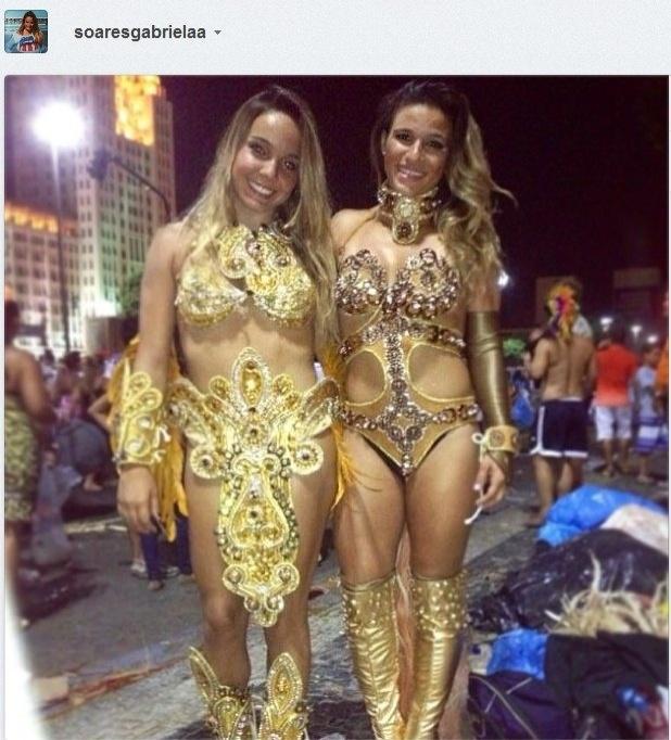Gabriela Soares e Jade Barbosa em desfile pela Beija Flor