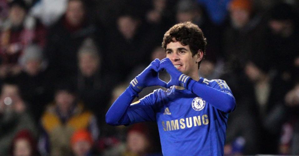 14.fev.2013 - Brasileiro Oscar comemora o gol da vitória por 1 a 0 do Chelsea sobre o Sparta Praga, pela Liga Europa