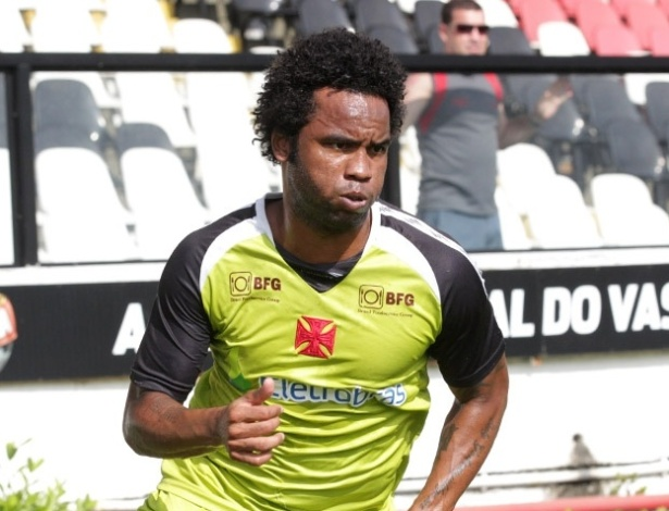 Carlos Alberto treina pelo Vasco