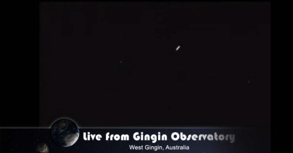 15.fev.2015- A Nasa divulgou imagem real da maior aproximação do asteroide 2012 DA 14 à Terra, a 27,7 mil km, captada pelo Observatório GingGin, na Austrália