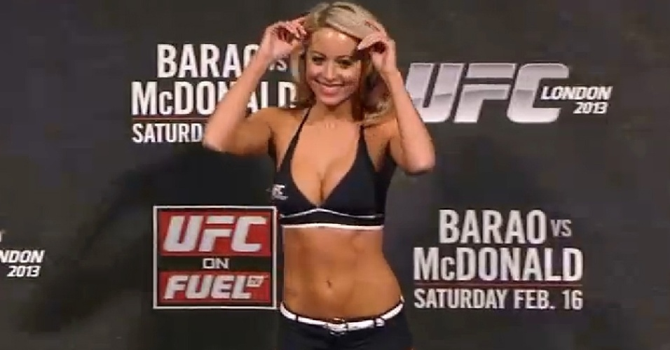 Nova ring girl inglesa do UFC, Carly Baker