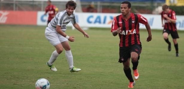 Atlético-PR, de Harrison, derrotou o J. Malucelli pelo Paranaense (16/02)