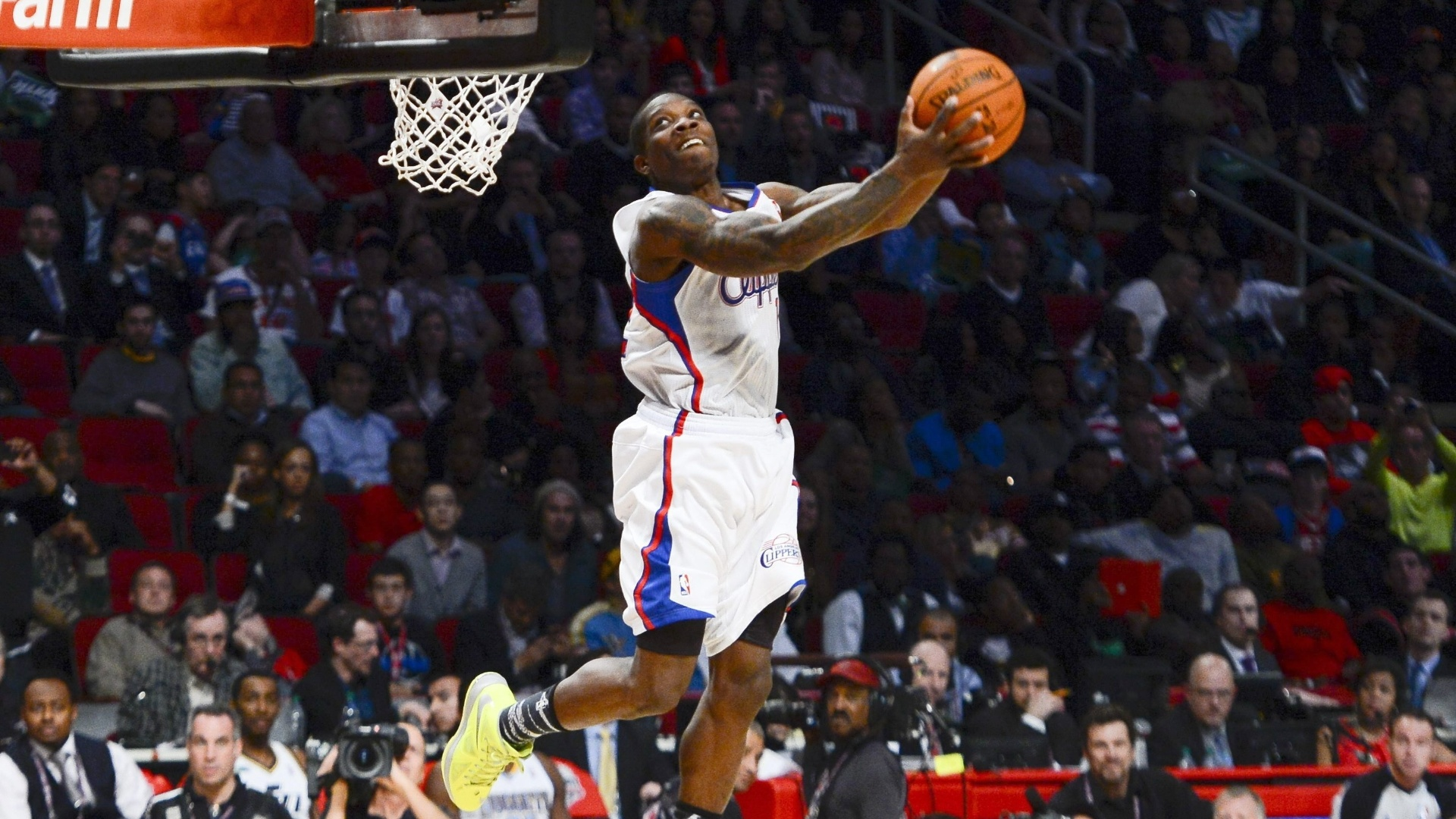 16.fev.2013 - Eric Bledsoe, do Los Angeles Clippers, executa manobra durante concurso de enterradas da NBA