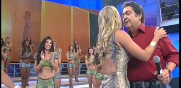 17.fev.2013 - Faustão recebeu todos os eliminados do