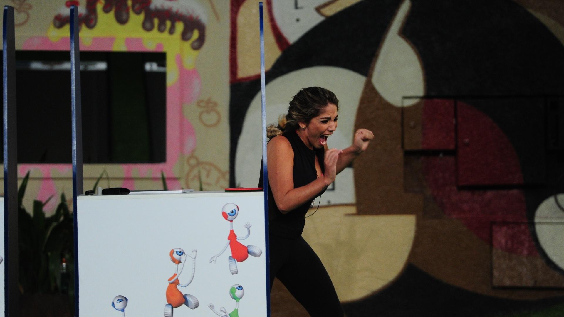 14.fev.2013 - Anamara comemora a conquista da liderança da semana
