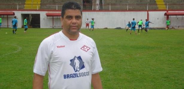 Marcelo Cabo, técnico do Tombense, critica desgaste provocado por jogo às 10h