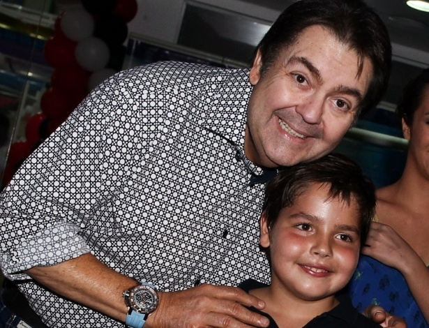 18.fev.2013 - O apresentador Fausto Silva celebrou os nove anos do filho Joo Guilherme com festa em So Paulo