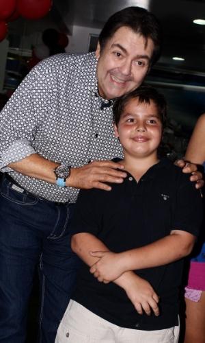 18.fev.2013 - O apresentador Fausto Silva celebrou os nove anos do filho João Guilherme com festa em São Paulo