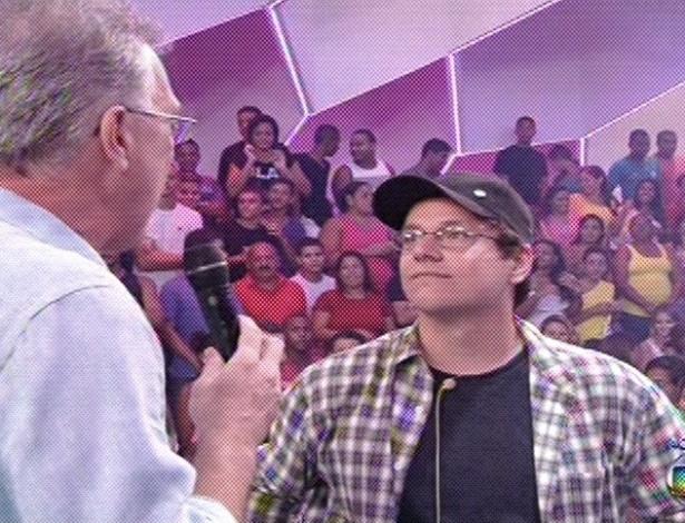 19.fev.2013 - Ivan é entrevistado por Pedro Bial após deixar a casa do