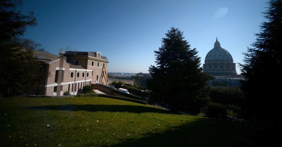 19.fev.2013 - Mosteiro Mater Ecclesiae, no interior do Vaticano, é reformado para ser a nova residência do papa Bento 16 após sua renúncia