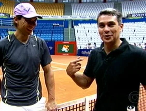 Ivan Moré joga tênis com Nadal e quase quebra saque do espanhol, mas é massacrado em quadra