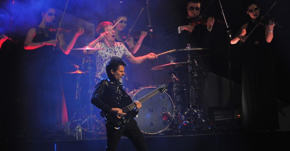 20.fev.2013 - A banda Muse se apresentou durante o Brit Awards 2013, em Londres