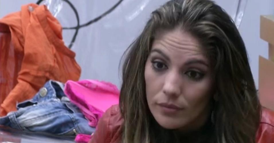 Anamara conversa com Fernanda após a eliminação de Ivan