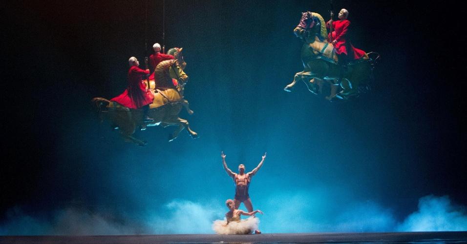 """Cena do longa """"Outros Mundos"""", baseado em espetáculos do Cirque du Soleil"""