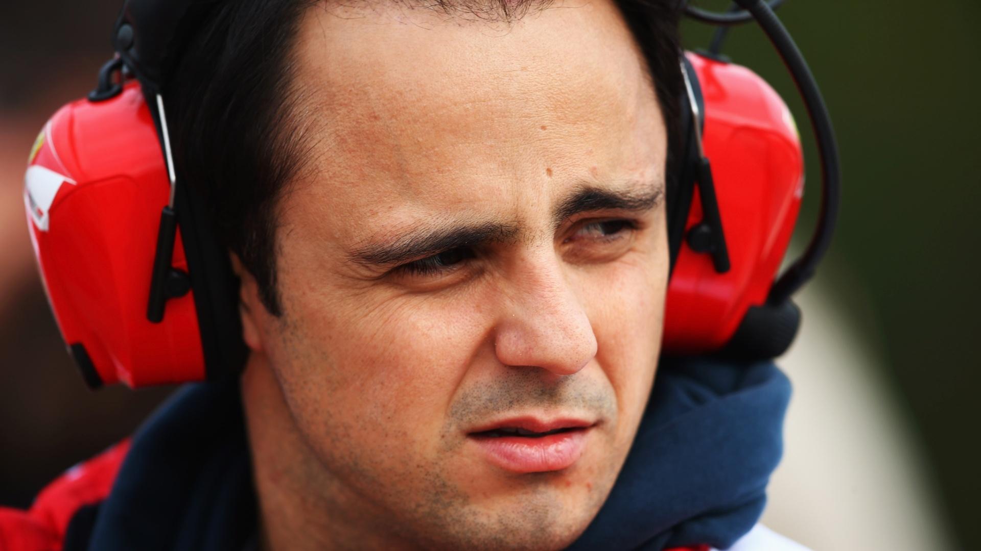 21.fev.2013 - Felipe Massa é visto no Circuito da Catalunha durante terceiro dia de testes coletivos em Barcelona