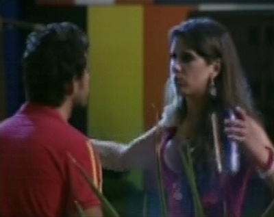 Andressa aconselha Eliéser a desconsiderar as palavras de Kamilla e curtir a festa
