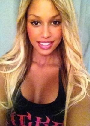 Fanny Neguesha, a namorada do atacante Balotelli