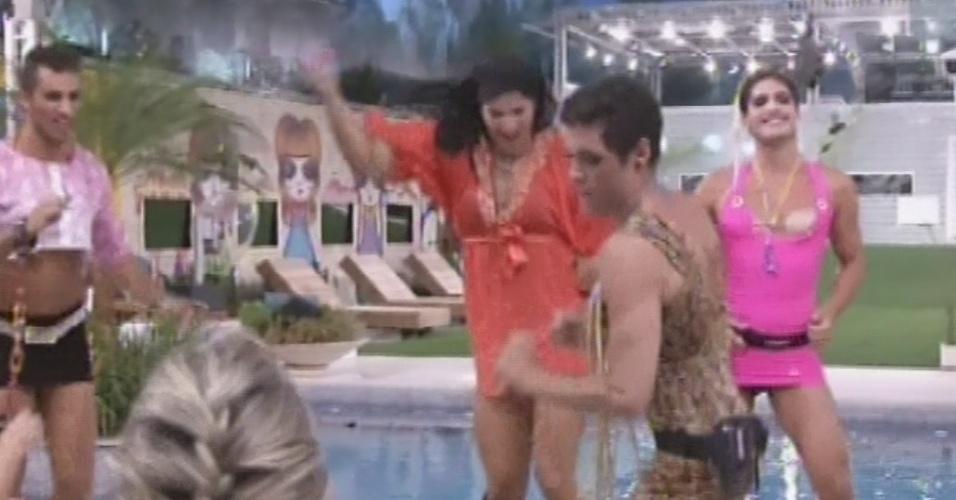 22.fev.2013 - Eliéser, Marcello, Nasser e André dançam a música das