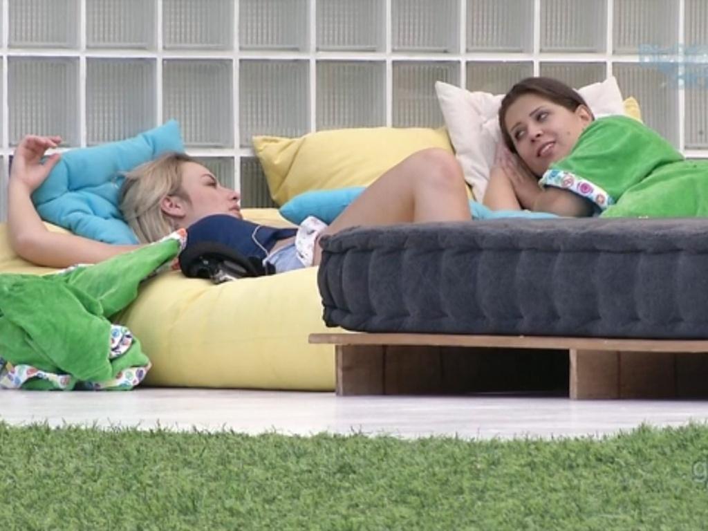 22.fev.2013 - Fernanda diz a Andressa que seu caso com André