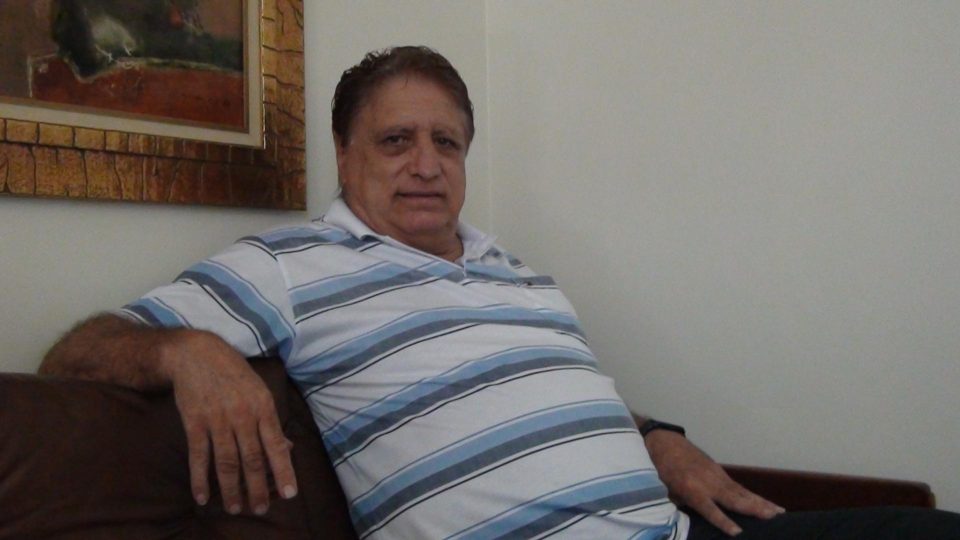 Marinho Peres, ex-zagueiro da seleção na Copa de 74 e atualmente técnico sem clube