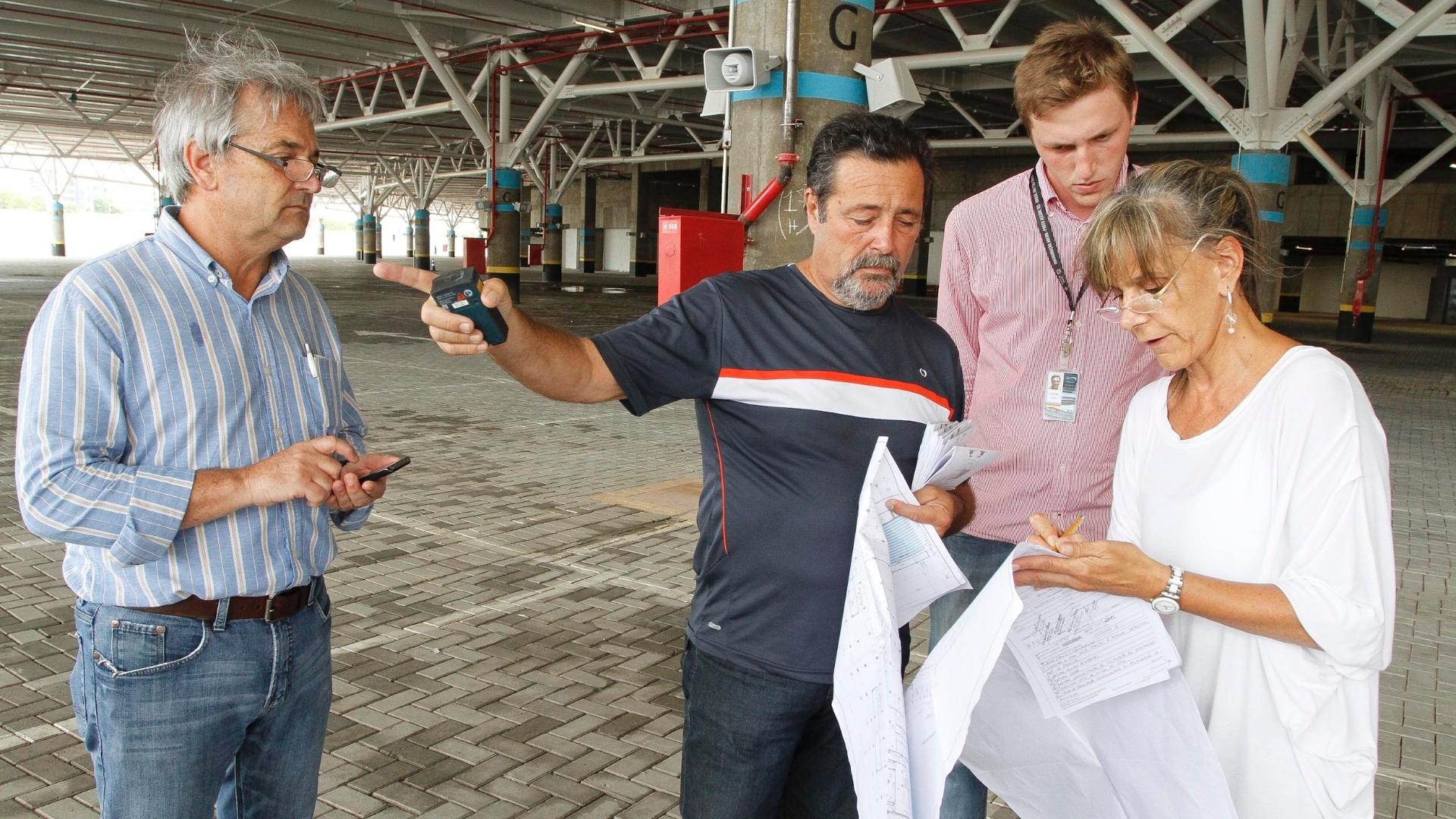 Técnicos da Secretaria de Urbanismo de Porto Alegre vistoriaram a Arena do Grêmio (21/02/2013)