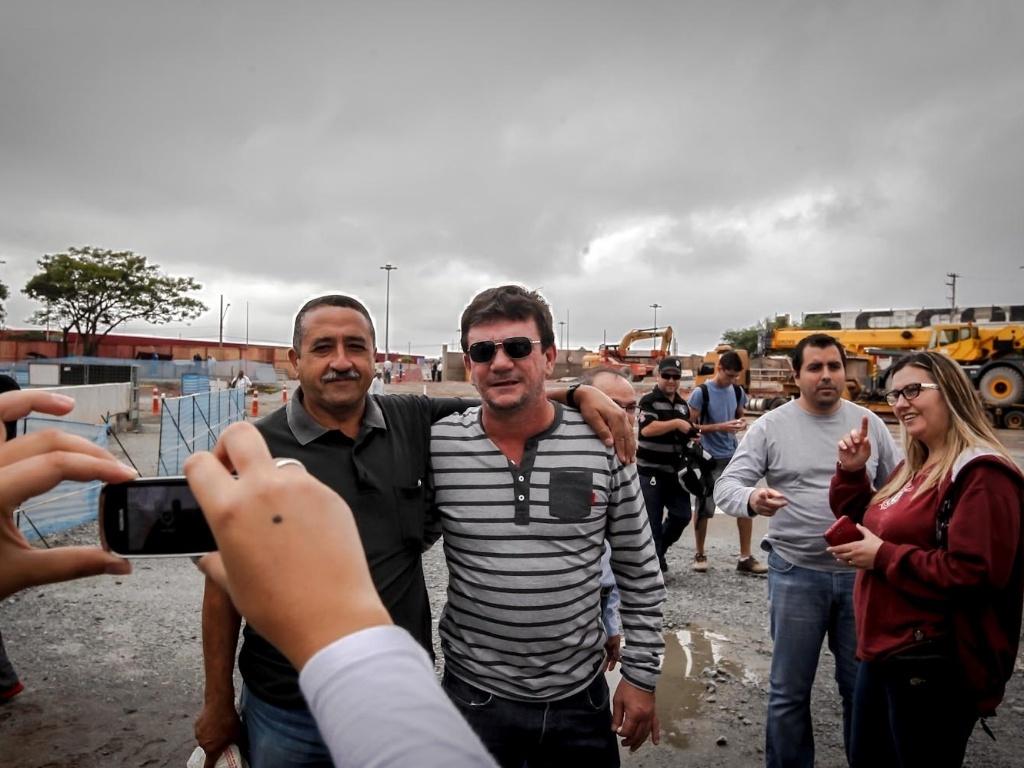 Ex-presidente do Corinthians Andrés Sanchez circulou pelo local, distribuiu autógrafos e posou para fotos