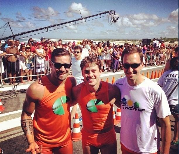 24.fev.2013 - Yuri posta foto no seu Instagram junto com Leonardo Miggiorin e Luciano Burti; os três participaram de competição de triatlo nesta manhã