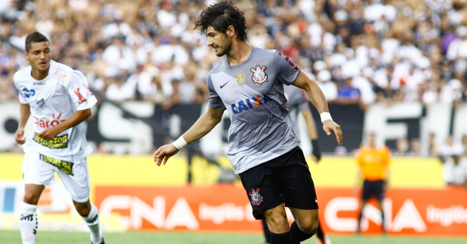Alexandre Pato começou como titular contra o Bragantino