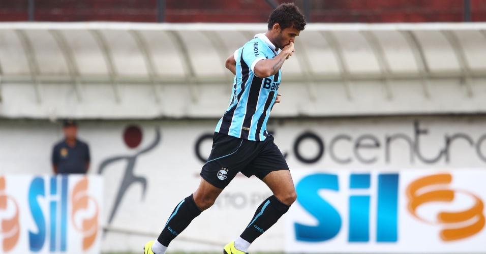 Ex-jogador do São Paulo, o atacante Willian José marcou o gol gremista na derrota para o Internacional em Caxias do Sul
