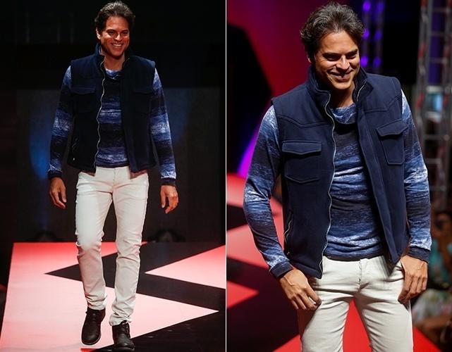 O ator Juan Alba desfila durante o Mega Polo Moda, evento organizado por shopping de moda por atacado localizado no Brás, em São Paulo