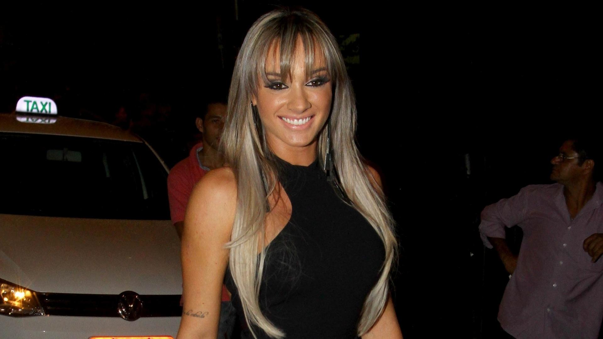 Outra celebridade que apareceu na festa foi a dançarina Juliana Salimeni, ex-Panicat e atual participante do programa Legendários, da TV Record