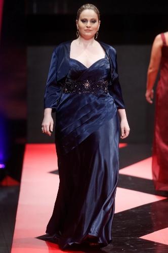 26 fev. 2013 - A marca Sônia Baek Plus traz opções de moda festa para gordinhas