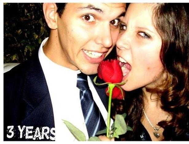 Em postagem no seu fotolog, Andressa comemora três anos de namoro com o ex, Jean