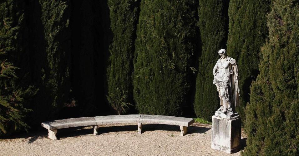 Jardim do interior da residência de verão da Santa Sé em Castel Gandolfo, no sul de Roma. Após a renúncia, o papa Bento 16 ficará temporariamente no local até que o convento