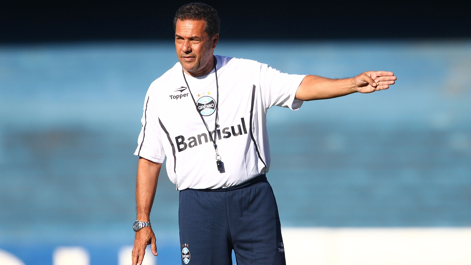 Vanderlei Luxemburgo comanda treino do Grmio