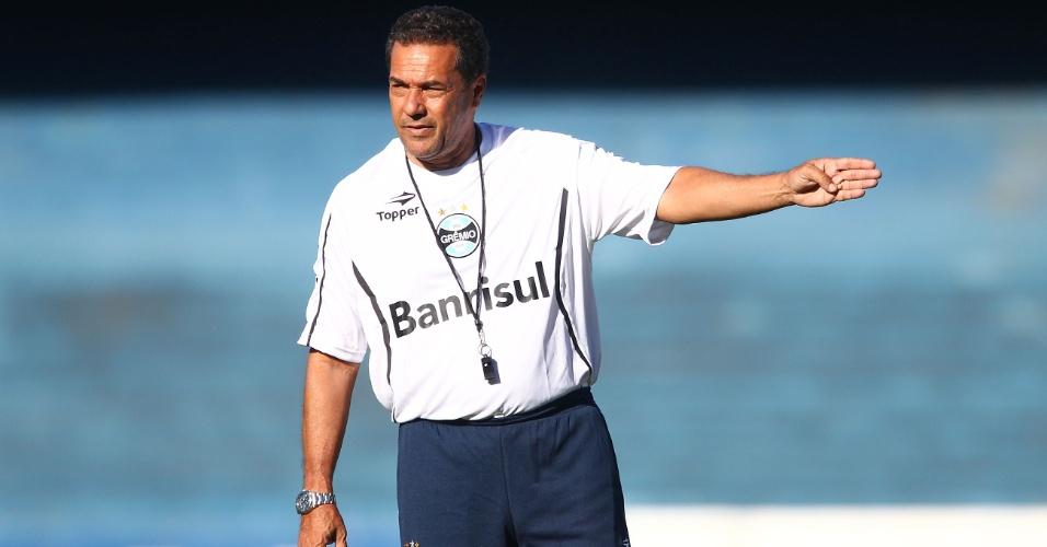 Vanderlei Luxemburgo comanda treino do Grêmio