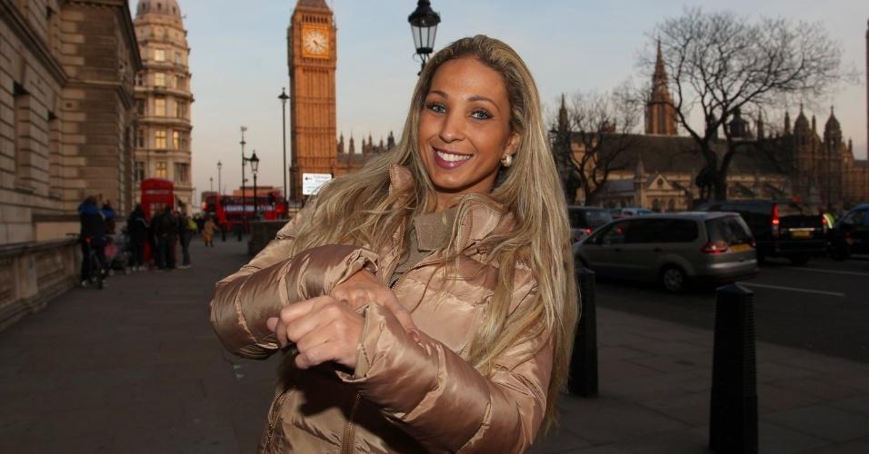 26.fev.2013 - Em turnê pela Europa, Valesca Popozuda passeou por pontos turísticos de Londres, Inglaterra