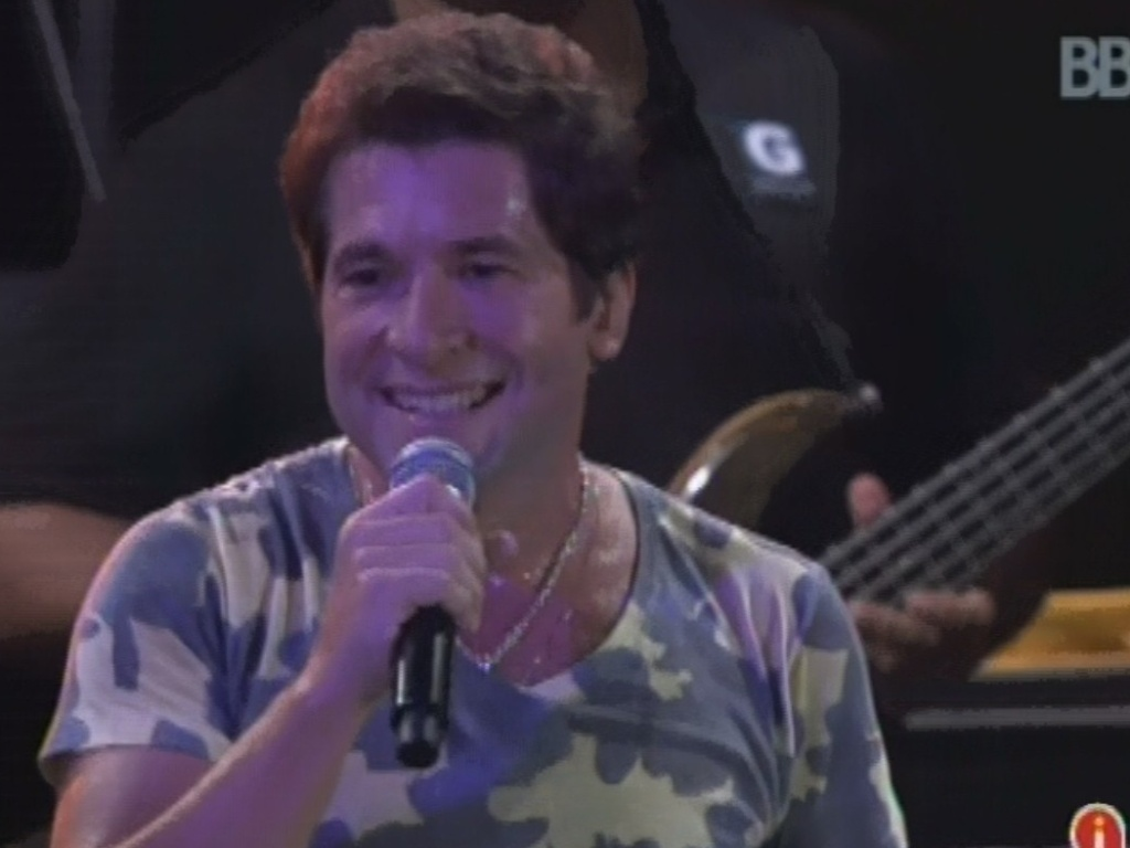 27.fev.2013 - Daniel se apresenta na festa Flores