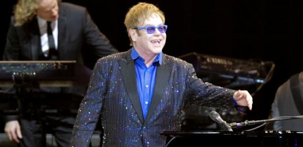 """27.fev.2013 - Elton John apresentou o show da turnê """"40th anniversary of the Rocket Man"""" no Jockey Club, em São Paulo. O cantor passará ainda por Porto Alegre, Brasília e Belo Horizonte"""