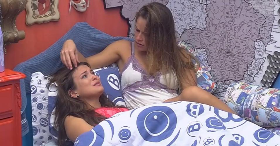 27.fev.2013 - Kamilla chora após eliminação de Eliéser e é consolada por Natália