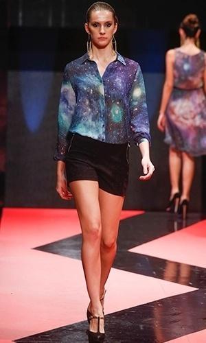 Modelo desfila look da Kissaman para o Inverno 2013 durante o Mega Polo Moda (27/02/2013)